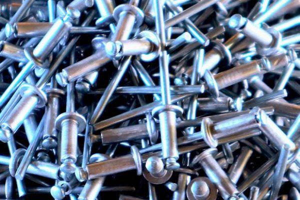 rivetti per metallo